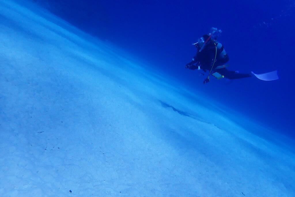 透明度抜群の砂地