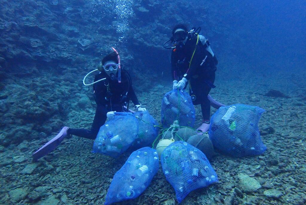 海底で集まったゴミ