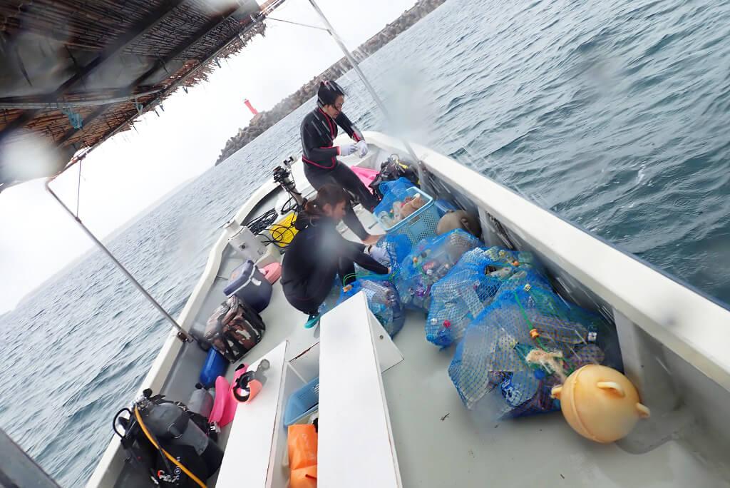 船上でゴミの分別
