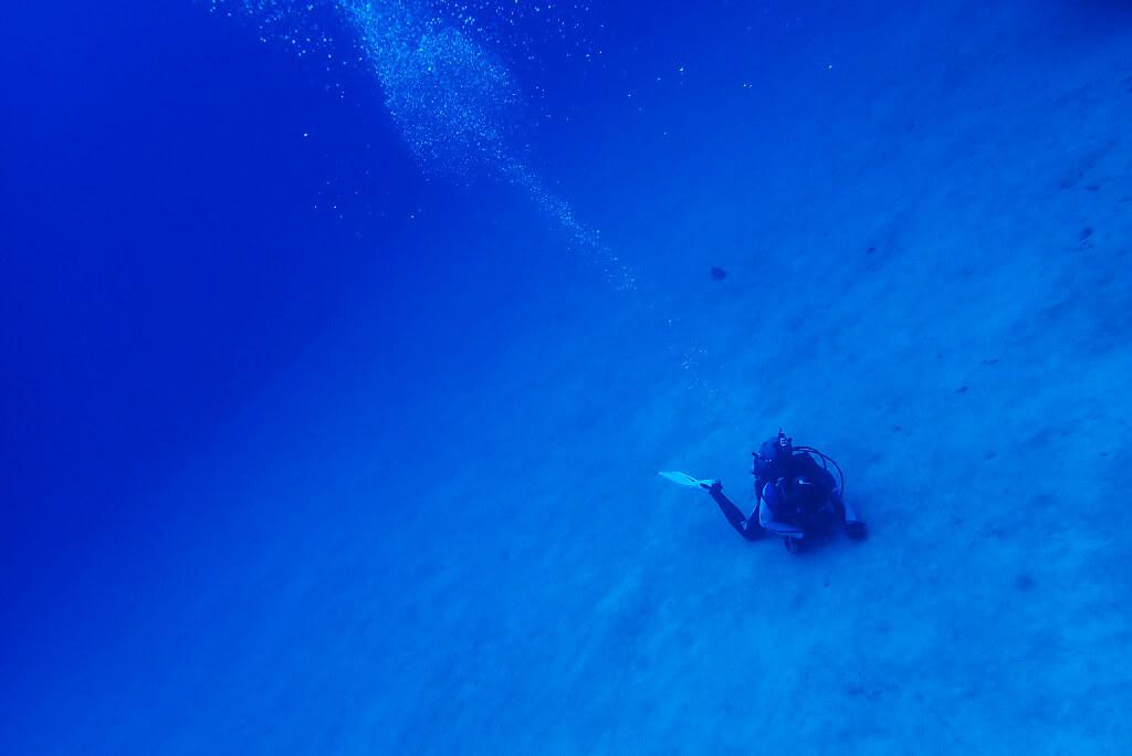 ガラサー沖の砂地