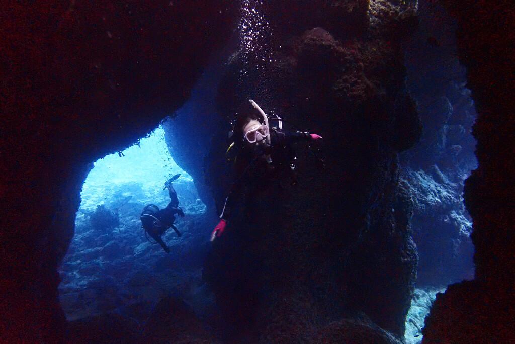 ブルーの洞窟へ