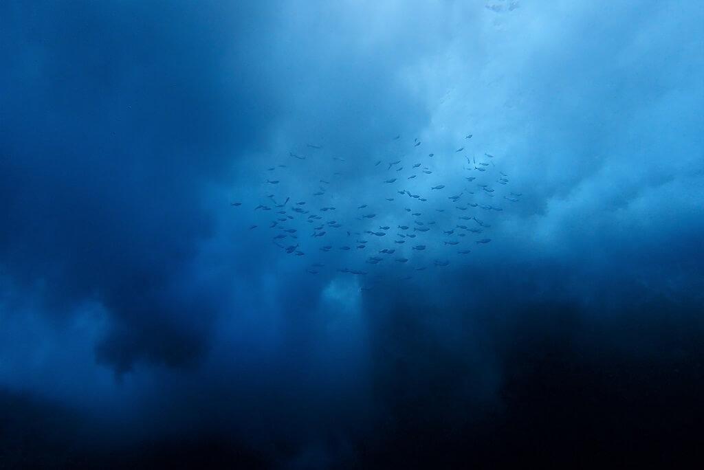 トンバラの荒波